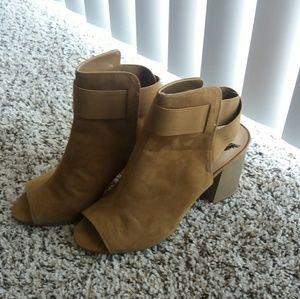 NWOT Ankle peeptoe heels